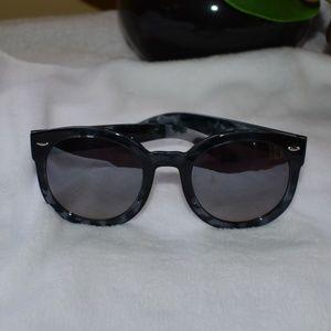 Dot-Dash  BLK/GRY Round Cat Eye Sunglasses